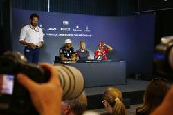 Льюис Хэмилтон, Mercedes AMG F1, Кевин Магнуссен, Haas F1 Team, Себастьян Феттель, Ferrari