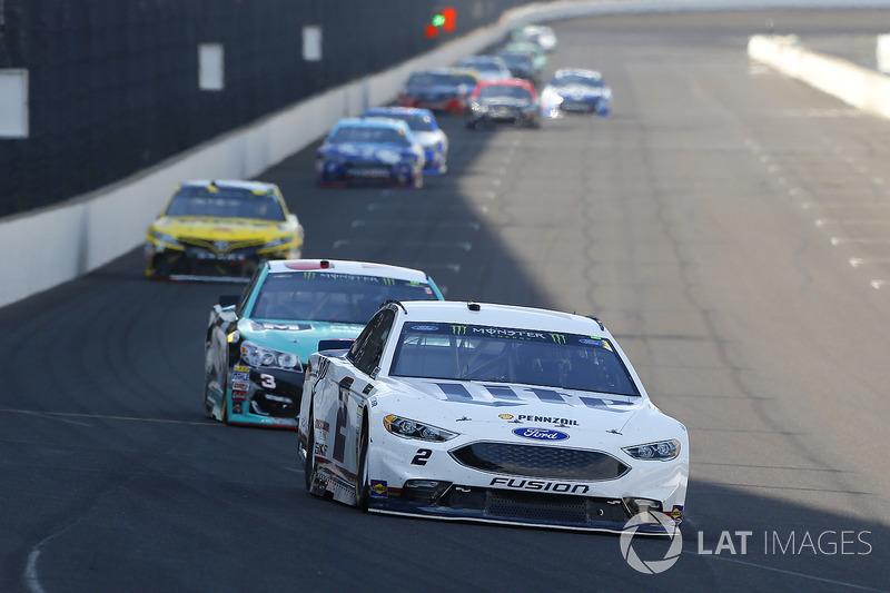 Brad Keselowski, Team Penske Ford, Austin Dillon, Richard Childress Racing Chevrolet