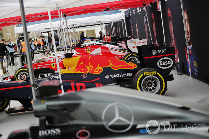 A line-up of Formula 1 cars in Trafalgar Square ahead of the London F1 street demonstration. L-R: A
