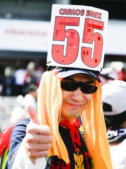 A fan of Carlos Sainz Jr., Scuderia Toro Rosso