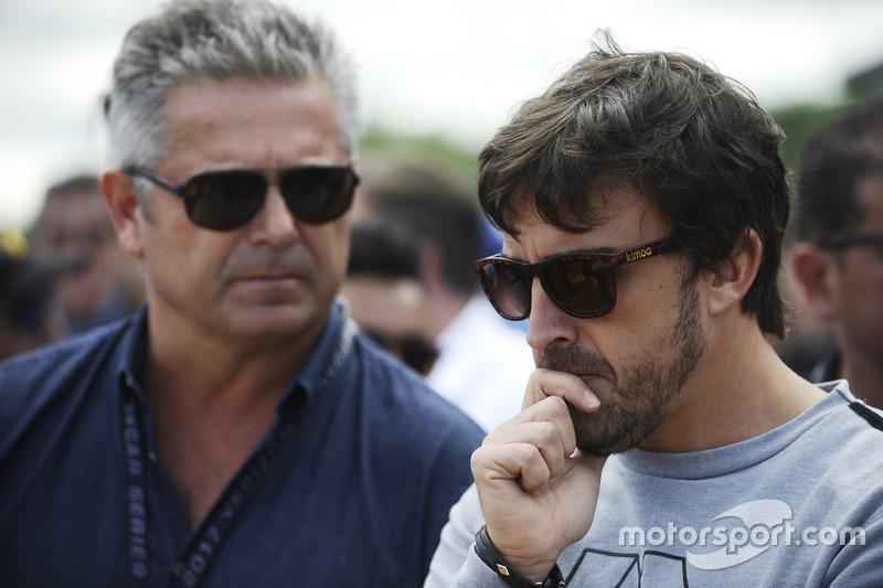 Gil de Ferran, Fernando Alonso on the grid