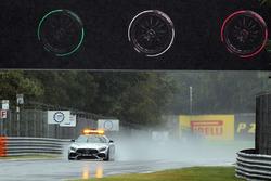 FIA Safety-Car im Regen