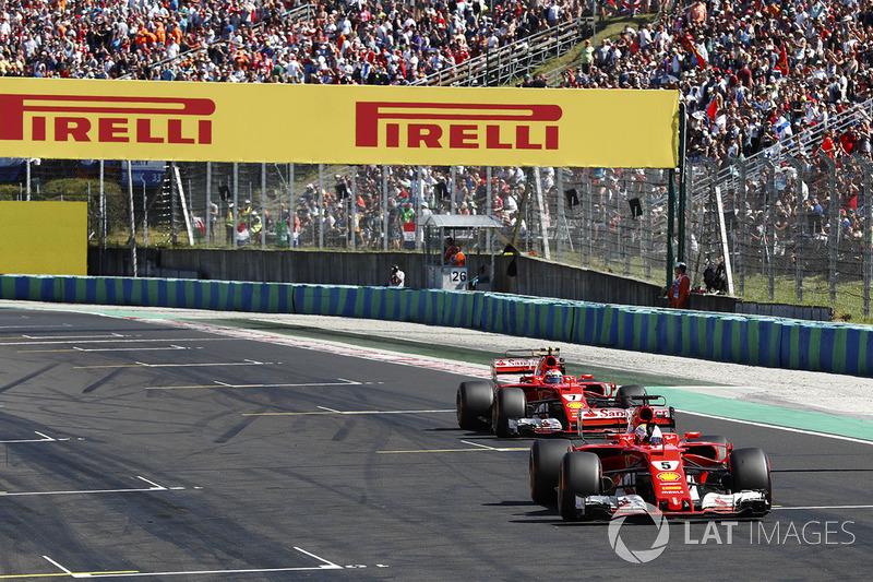 Sebastian Vettel, Ferrari SF70H, y Kimi Raikkonen, Ferrari SF70H
