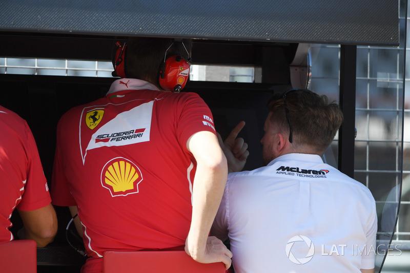 McLaren en el pantry de Ferrari