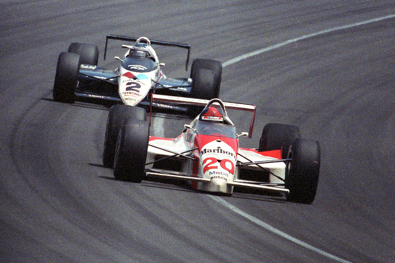 1989: Emerson Fittipaldi tegen Al Unser Jr.