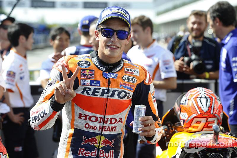 Il polesitter Marc Marquez, Repsol Honda Team nel parco chiuso
