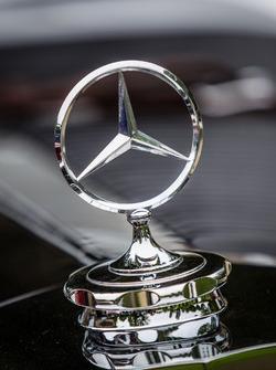 Classic Grand Tour: Mercedes-Benz logo