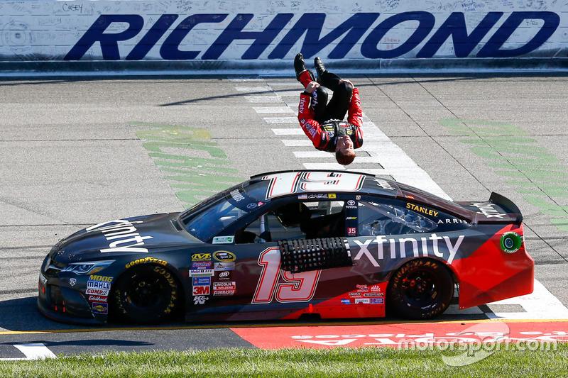 2016, Richmond 1: Carl Edwards (Gibbs-Toyota)