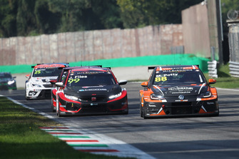Maxime Potty, Comtoyou Racing Volkswagen Golf GTI TCR, Josh Files, Hell Energy Racing with KCMG Honda Civic Type R TCR