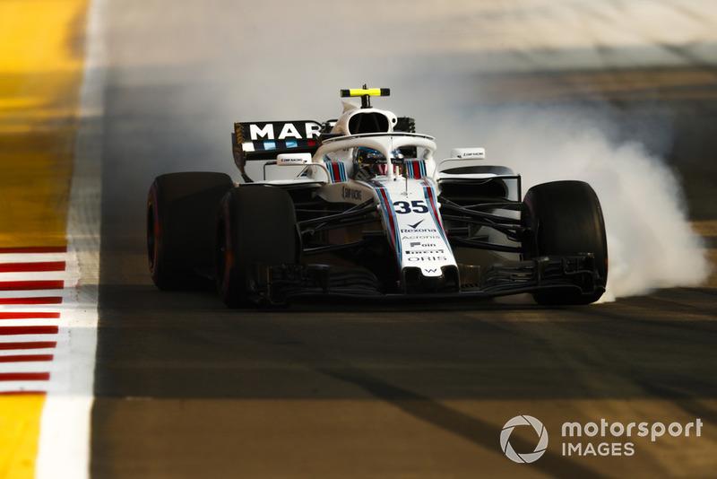 20. Sergey Sirotkin, Williams FW41, locks up