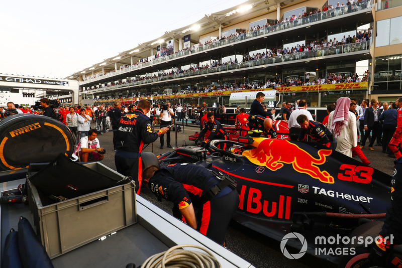 Max Verstappen, Red Bull Racing RB14, on the grid