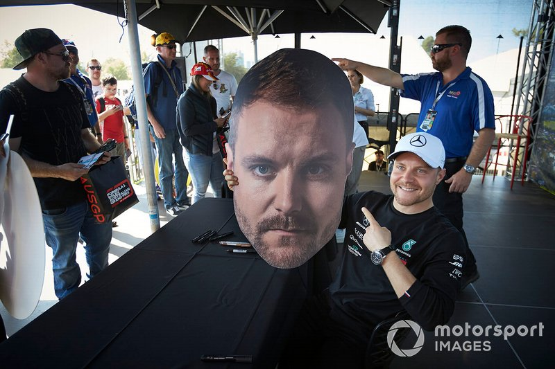 Valtteri Bottas, Mercedes AMG F1, with a cutout of his face