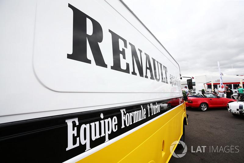 Renault Sport F1 Team F1 Historic Transporter