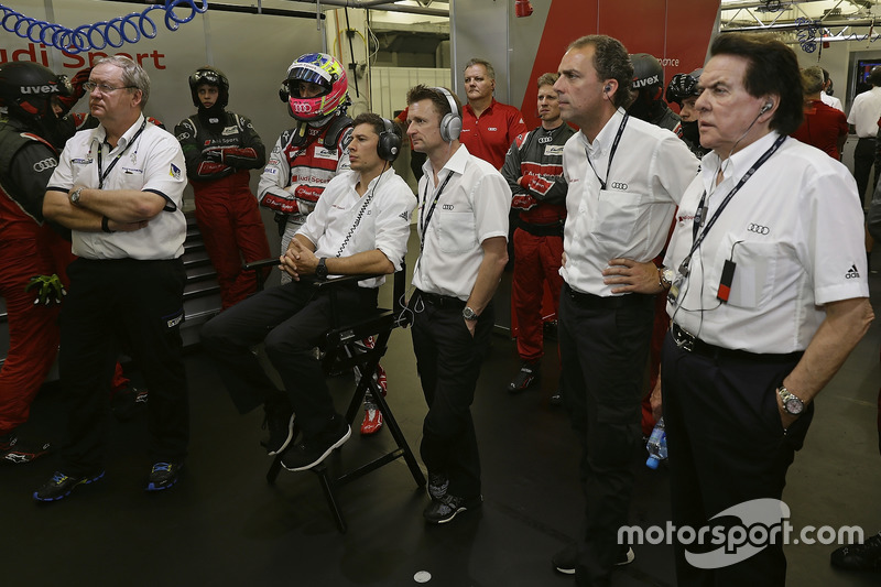 Oliver Jarvis, Loic Duval, Audi Sport Team Joest, Allan McNish, Marc Piedade, Reinhold Joest