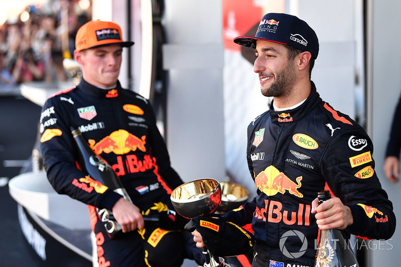 Max Verstappen, Red Bull Racing y Daniel Ricciardo, Red Bull Racing celebra
