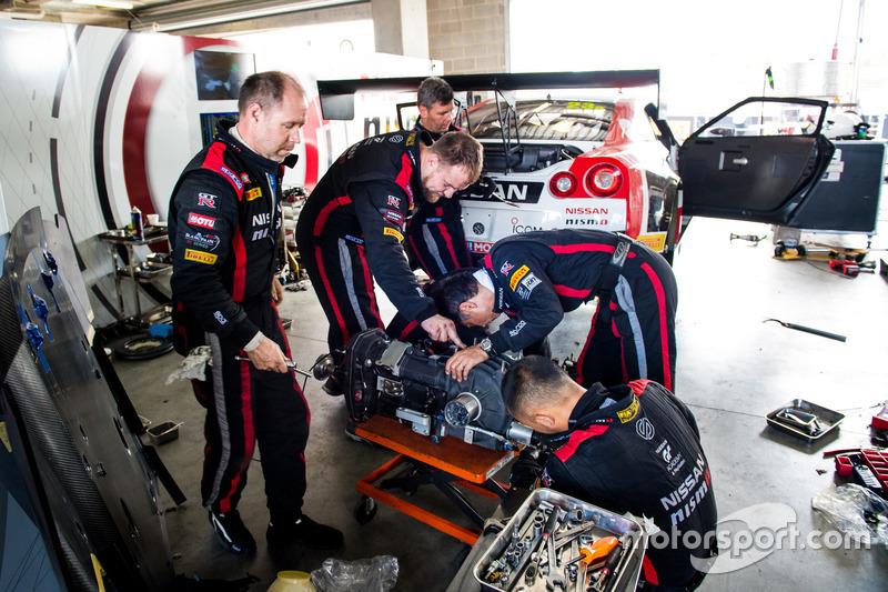 #23 Nissan Motorsport, Nissan GT-R Nismo GT3, nach der Reparatur