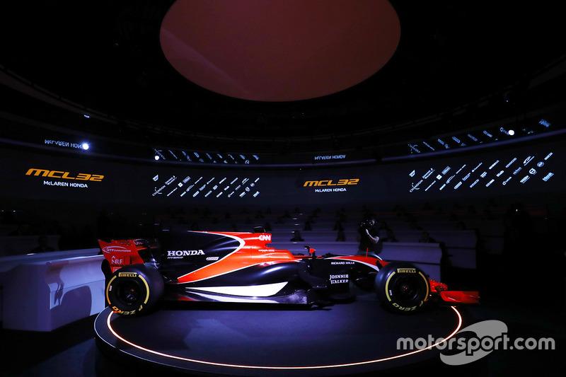 Zak Brown, McLaren MCL32