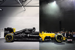 Сравнение Renault RS17 и Renault RS16