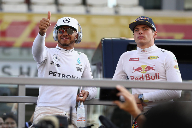 Lewis Hamilton, Mercedes AMG F1, Max Verstappen, Red Bull Racing
