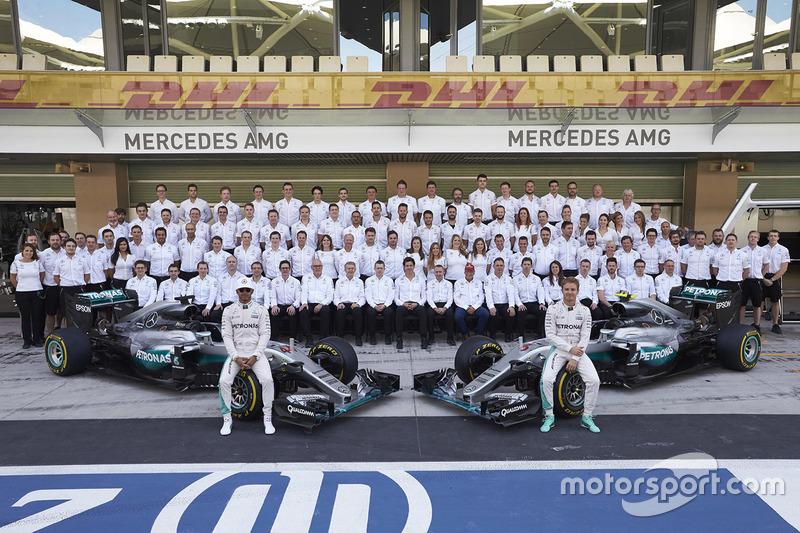 Lewis Hamilton, Mercedes AMG F1 and Nico Rosberg, Mercedes AMG F1 at a team photograph