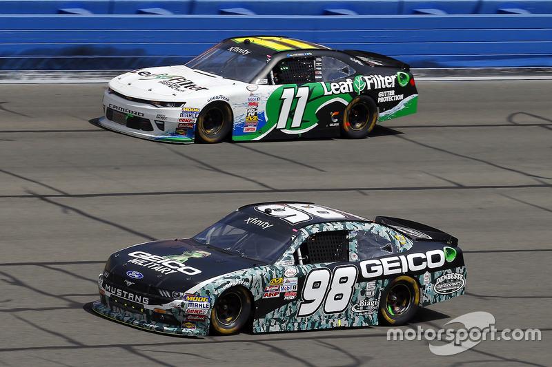 Casey Mears, Biagi-DenBeste Racing, Ford; Blake Koch, Kaulig Racing, Chevrolet