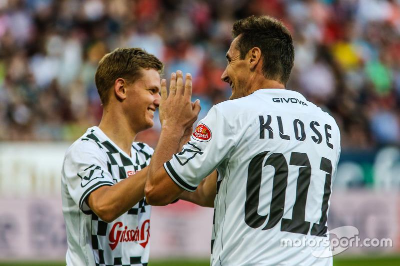 Miroslav Klose, voetballer en Mick Schumacher, Prema Powerteam