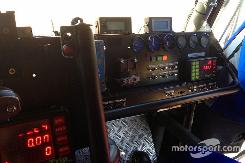 Место механика гоночного КамАЗа