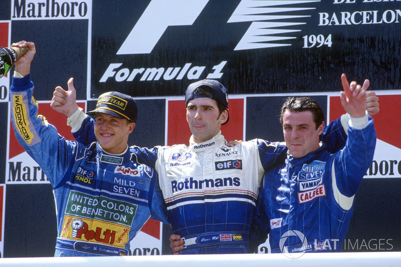 Podium: winnaar Damon Hill, Williams, tweede Michael Schumacher, Benetton, derde Mark Blundell, Tyrrell