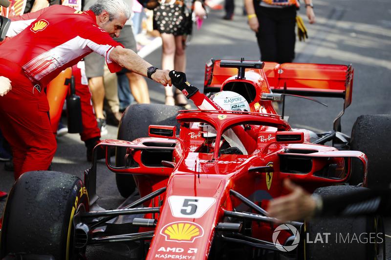 Yarış galibi Sebastian Vettel, Ferrari ve Maurizio Arrivabene, Ferrari Takım Patronu