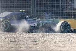 Valtteri Bottas, Mercedes AMG F1 W09, pist dışına çıkıyor