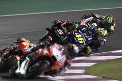 Валентино Россі, Yamaha Factory Racing, випереджає  Жоанна Зарко, Monster Yamaha Tech 3