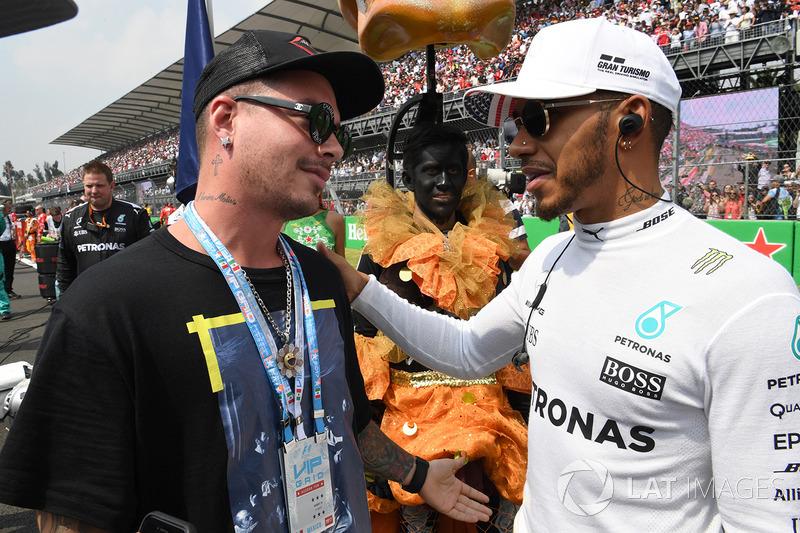 Lewis Hamilton, Mercedes AMG F1 y J Balvin, Rapper