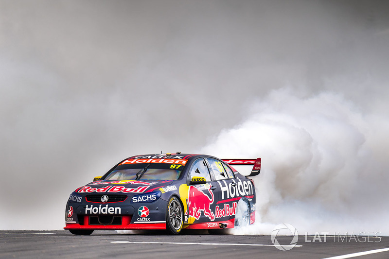 2. Ganador de la carrera Shane van Gisbergen, Triple Eight Race Engineering Holden