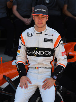 Stoffel Vandoorne, McLaren at the McLaren Team photo