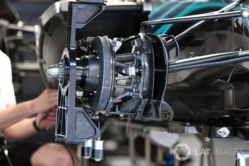 Mercedes-AMG F1 W09 EQ Power+ front brake and wheel hub detail