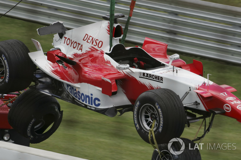 Choque de Ralf Schumacher, Toyota TF105