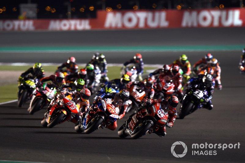 Старт гонки, Андреа Довіціозо, Ducati Team, попереду