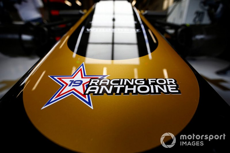 A sticker in tribute to Anthoine Hubert on a Haas F1 Team VF-19 nose