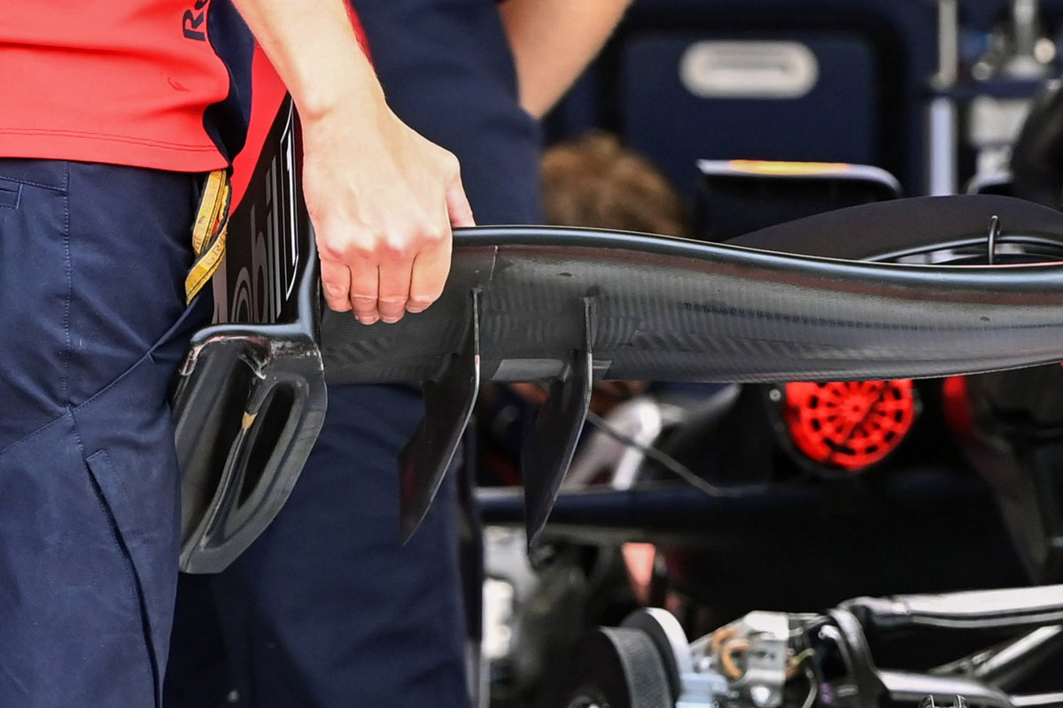 Red Bull Racing RB16 front wing footplate detail