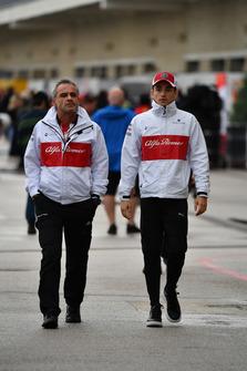 Beat Zehnder, Alfa Romeo Sauber F1 Team Manager and Charles Leclerc, Alfa Romeo Sauber F1 Team