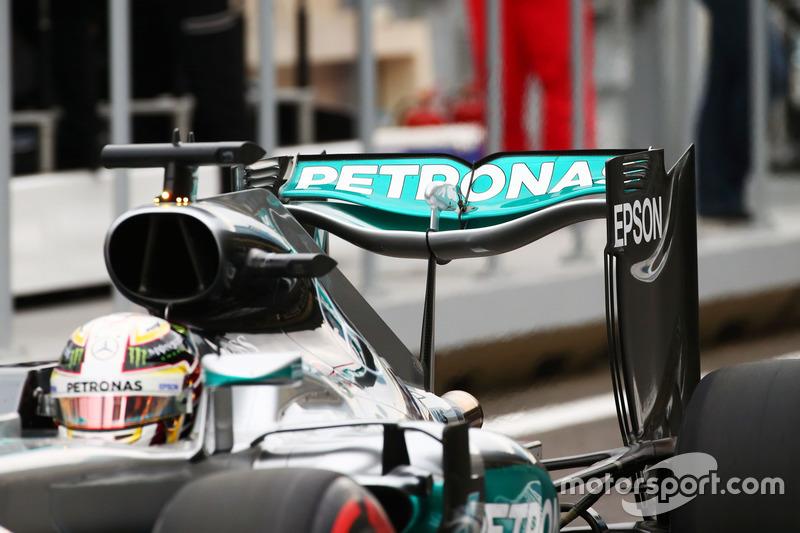 Lewis Hamilton, Mercedes AMG F1 W07 Hybrid  alerón trasero