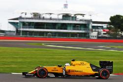 Сергей Сироткин, тест-пилот Renault Sport F1 Team RS16