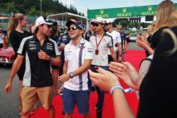 Sergio Pérez, Sahara Force India F1 y Felipe Massa, Williams en el desfile de pilotos