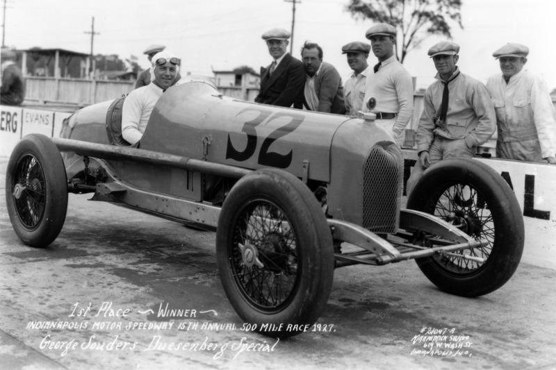 1927: Джордж Саудерс
