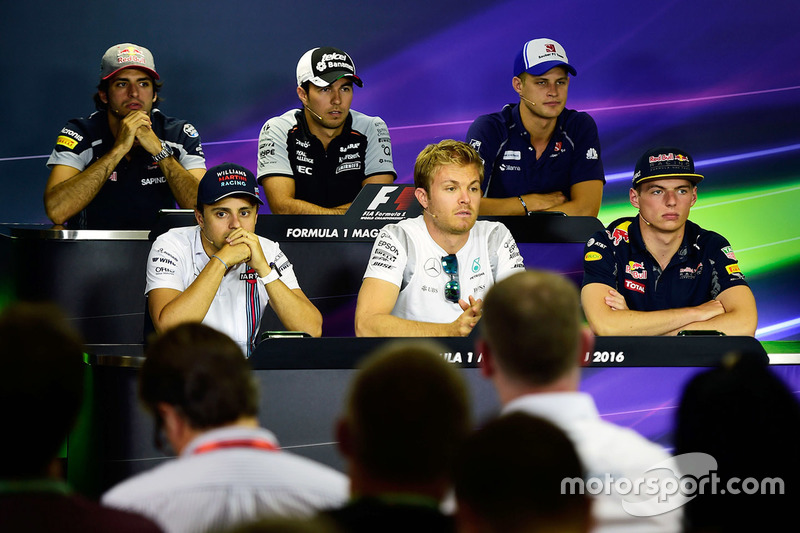FIA-Pressekonferenz: Carlos Sainz Jr., Scuderia Toro Rosso; Sergio Perez, Sahara Force India F1; Marcus Ericsson, Sauber F1 Team; Felipe Massa, Williams; Nico Rosberg, Mercedes AMG F1; Max Verstappen, Red Bull Racing