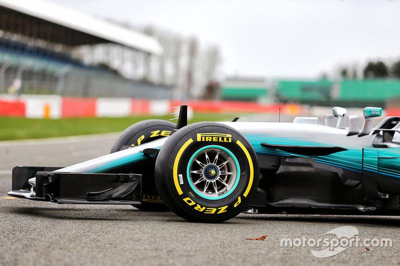 Mercedes AMG F1 W08 Hybrid voorvleugel detail