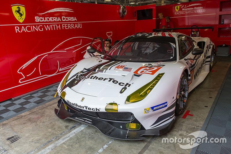 №62 Scuderia Corsa Ferrari 488 GTE: Купер МакНил, Билл Суидлер, Таунсенд Белл