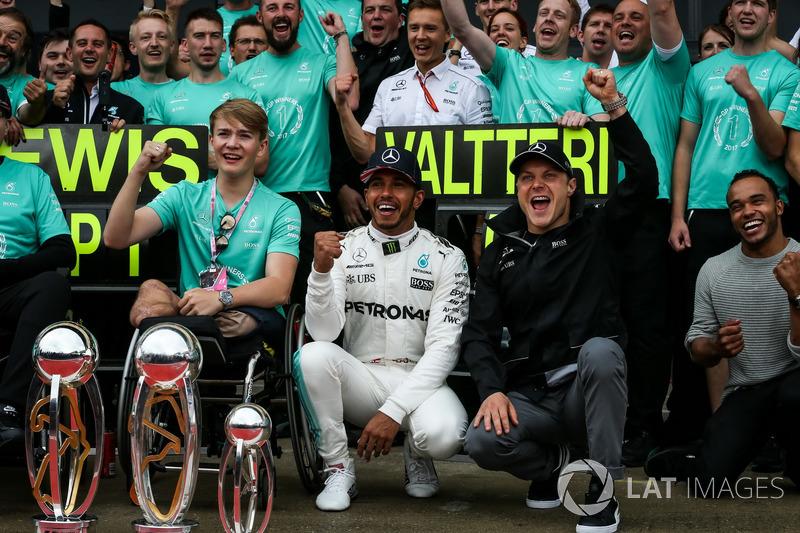 Льюіс Хемілтон, Mercedes AMG F1, Ніколас Хемілтон, Валттері Боттас, Mercedes AMG F1, Біллі Монгер з