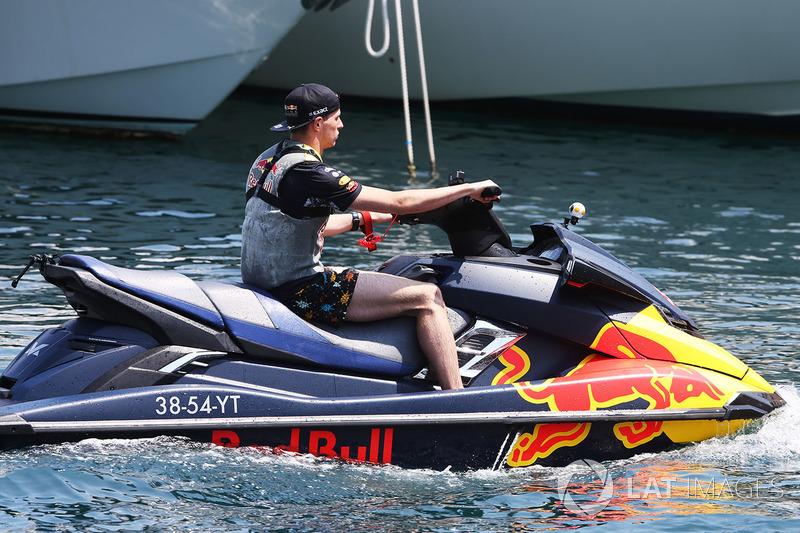 Макс Ферстаппен, Red Bull на гідроциклі