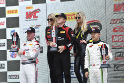 Podium: race winner Patrick Long, Wright Motorsports, second place Adderly Fong, Absolute Racing, third place Johnny O'Connell, Cadillac Racing